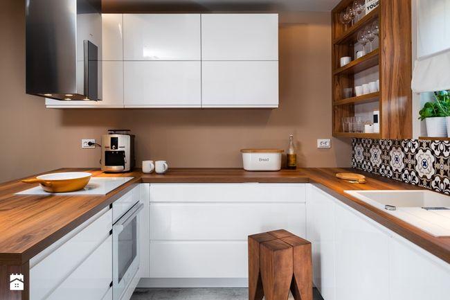 Mała funkcjonalnie urządzona kuchnia