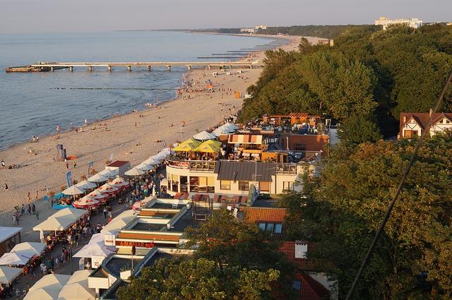Kołobrzeg - plaża, morze Bałtyckie
