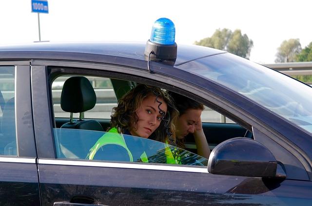 policjantki na patrolu