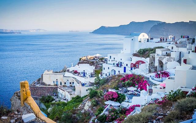 Santorini - gracka wyspa na wakacje