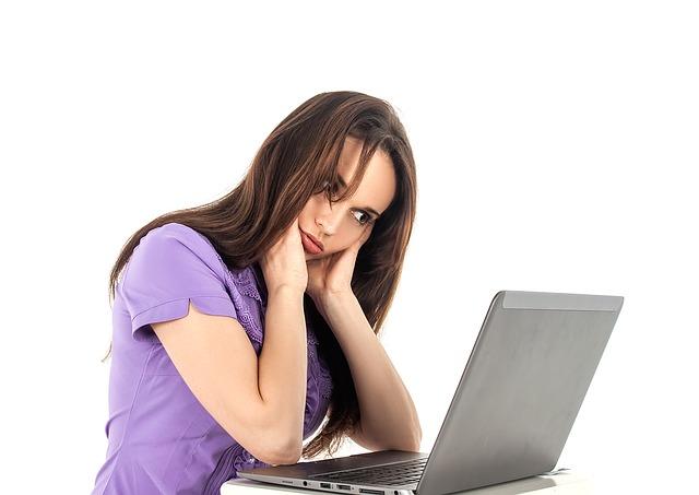 Szukanie pracy przy komputerze