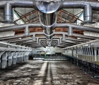 Posadzka przemysłowa zastosowana w hali produkcyjnej
