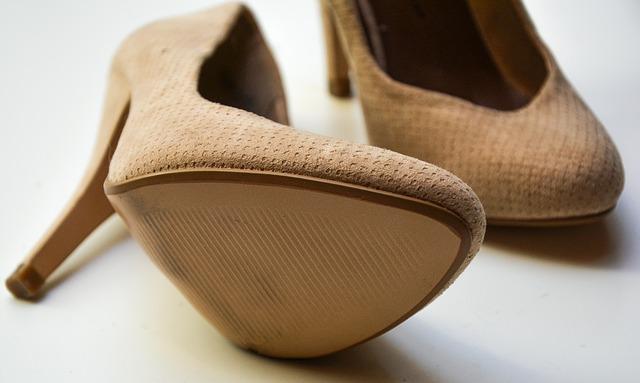 Wysokie obcasy - podeszwa obuwia