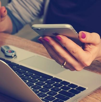 Aplikacje na telefon dla inwestorów
