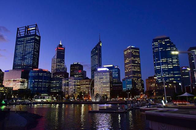 Duże miasto nocą