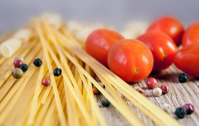 Makaron i pomidory