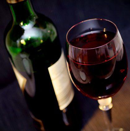 Kieliszek i wino