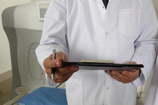 kasa fiskalna w gabinecie lekarskim